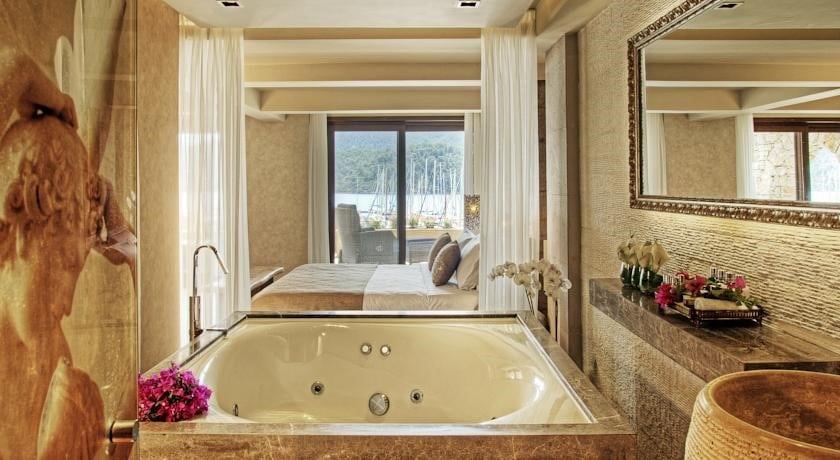 Marti Hemithea Hotel Honeymoon