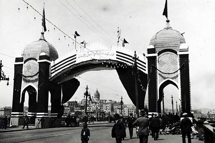 galata-bridge-old-photo