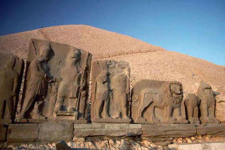 Mount Nemrut Stel Reliefs North Terrace