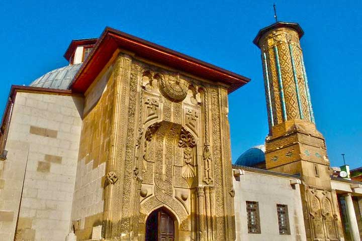 Ince (Thin) Minaret (Stone and Wooden Works) Museum