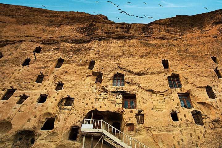 Manazan Caves Taskale