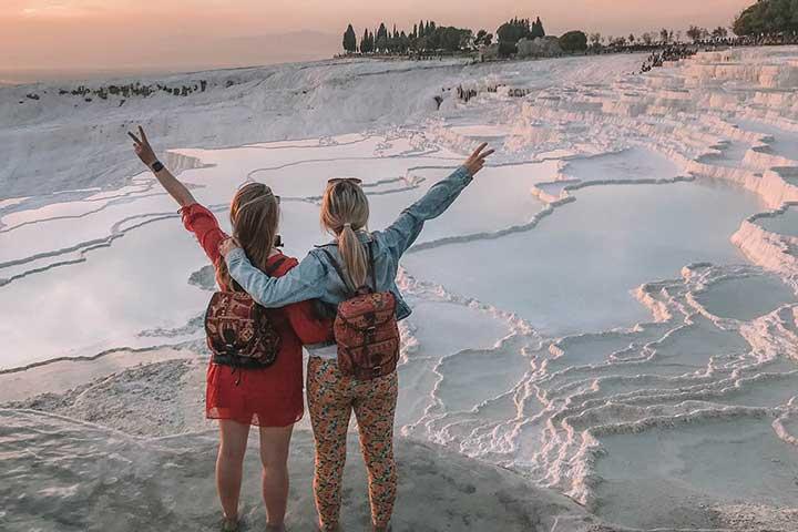 Travel Girls Pamukkale
