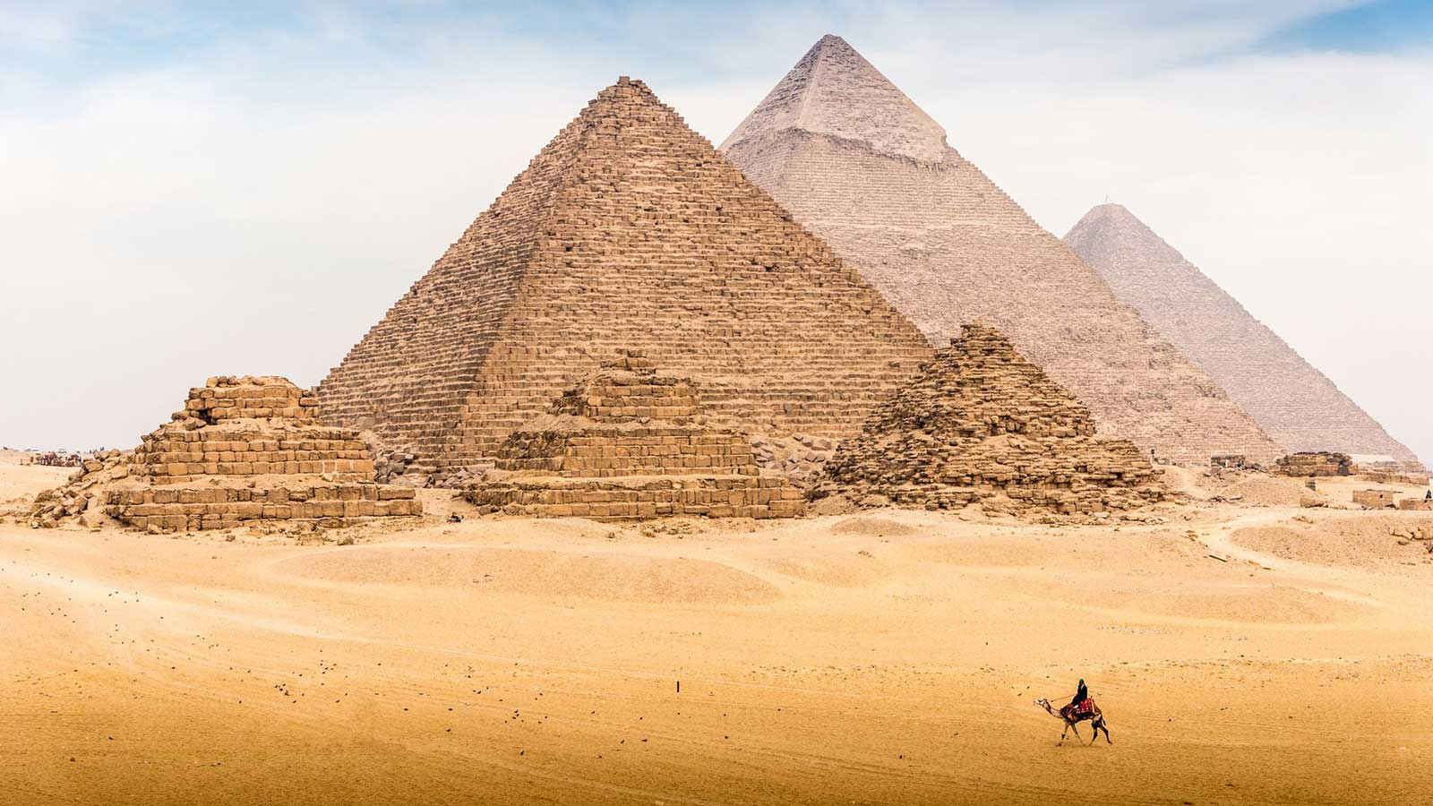 Your Guide to the Seven Ancient Wonders of the World