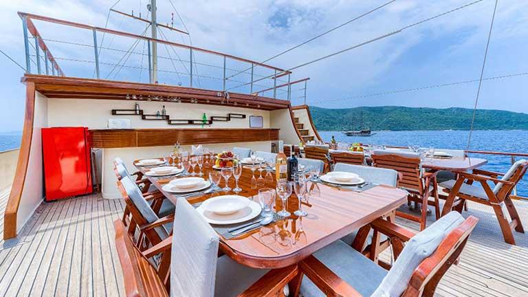 Gulet Love Boat Dining