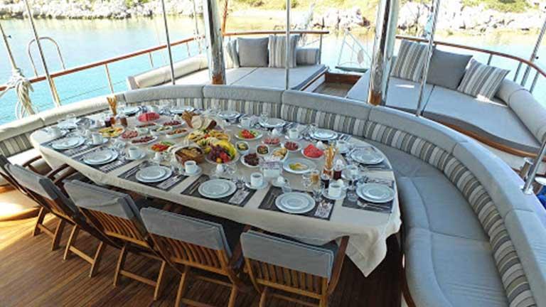 Gulet Kaptan Mehmet Bugra Dining